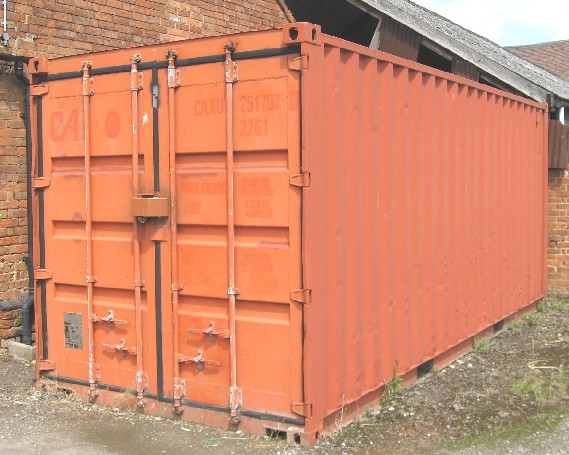 Picture of the storage container unit to let